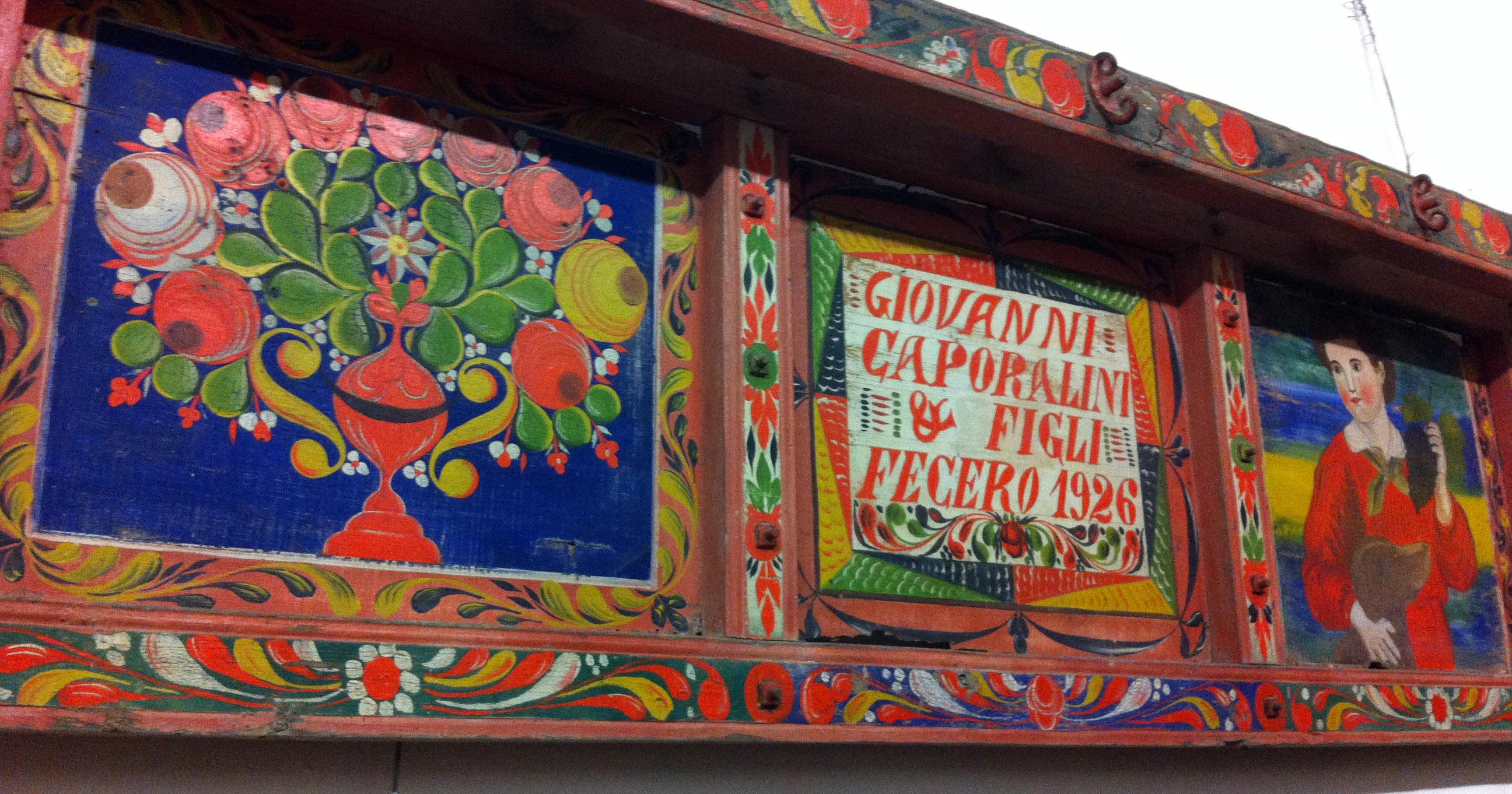 Tavola laterale decorativa del biroccio.
