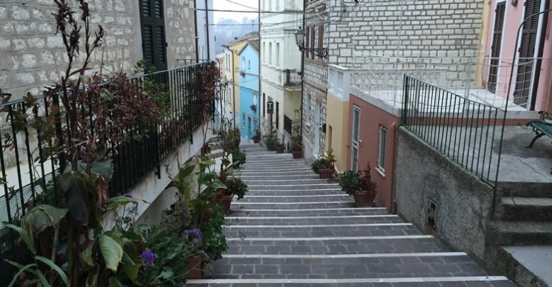 le 10 scalinate più belle delle Marche