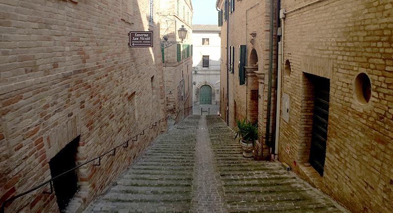montecassiano-scalinata