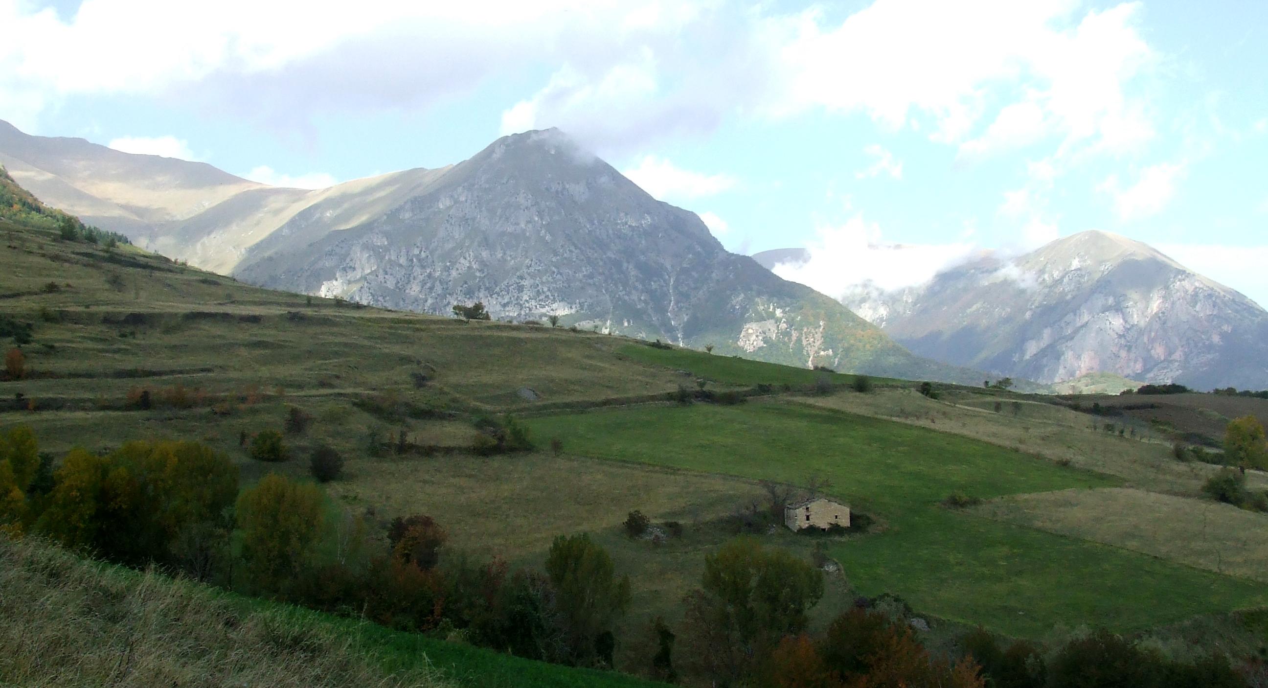 casina-montemonaco-panorama
