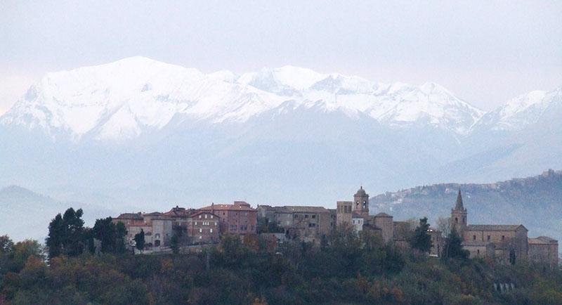 Monte vidon corrado la citt dell artista osvaldo licini i viaggi di racconti di marche - Dipinse il bagno turco ...