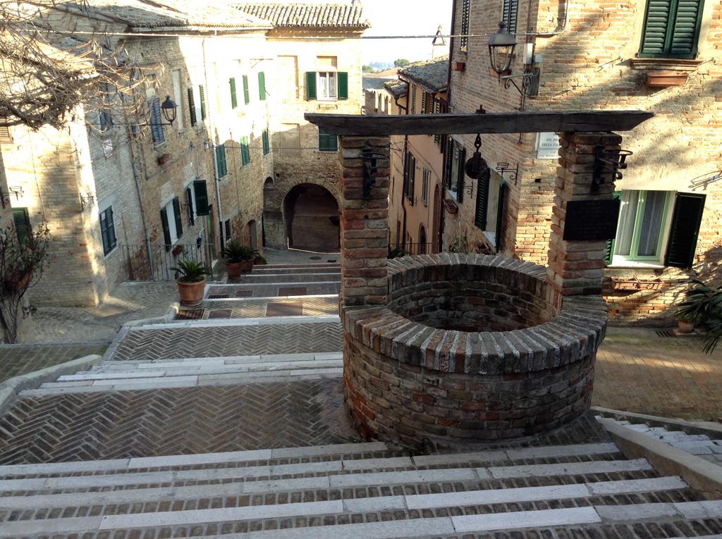 La scalinata più famosa e una delle più belle delle Marche