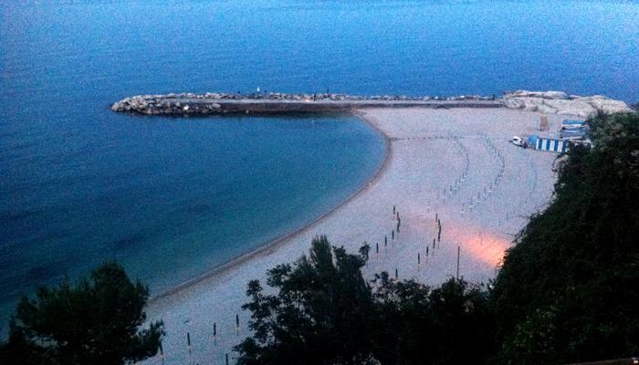 La vista sulla spiaggia di San Michele.