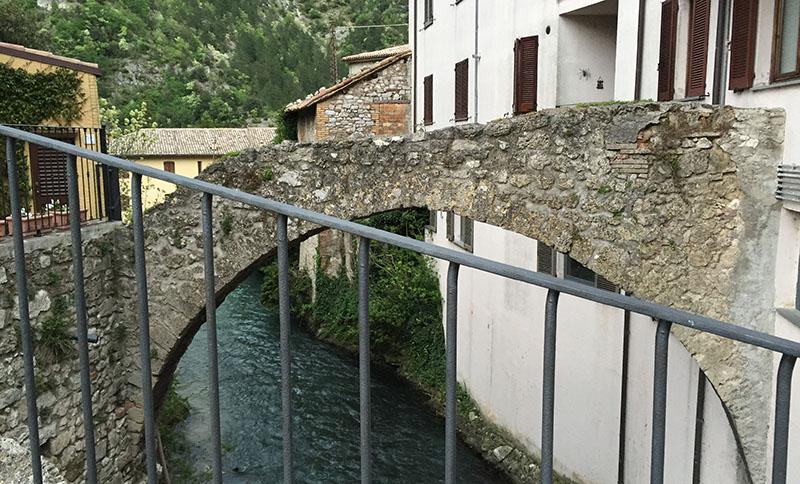pioraco-ponte-romano