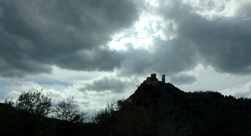 rocca-varano-contrasto