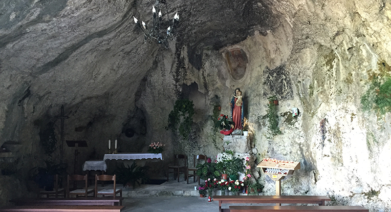 madonna-grotta-1