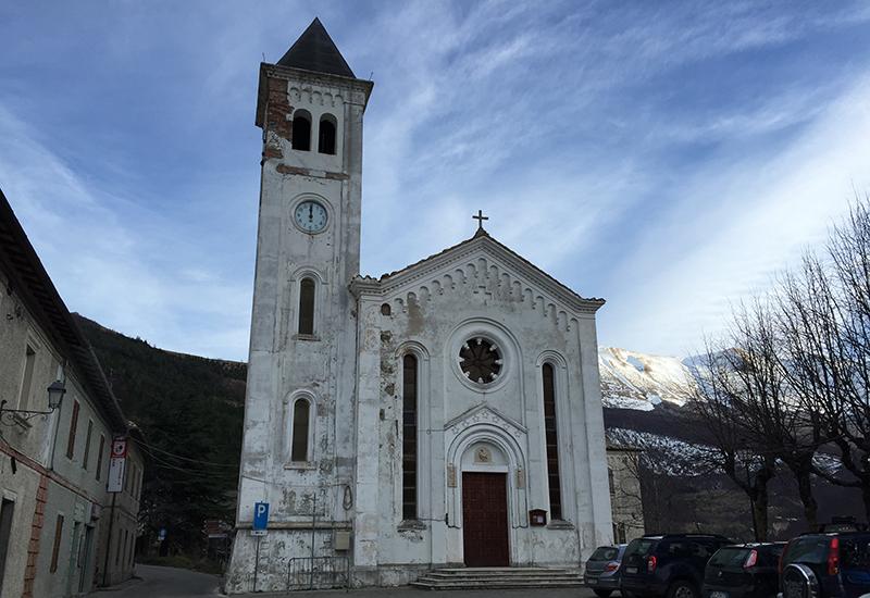 bolognola-chiesa
