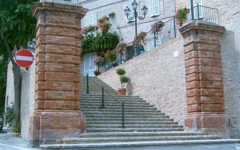 scalinata-montevidon-corrado