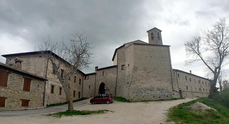 castello-serralta-san-severino-marche