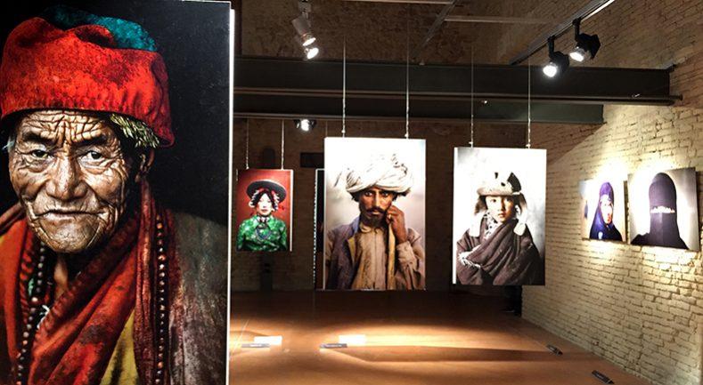 Le Icone di Steve McCurry alla Mole di Ancona